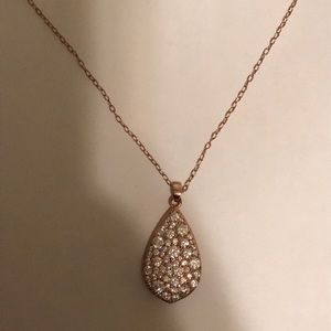 Jewelry - Rose gold bling teardrop pendant necklace